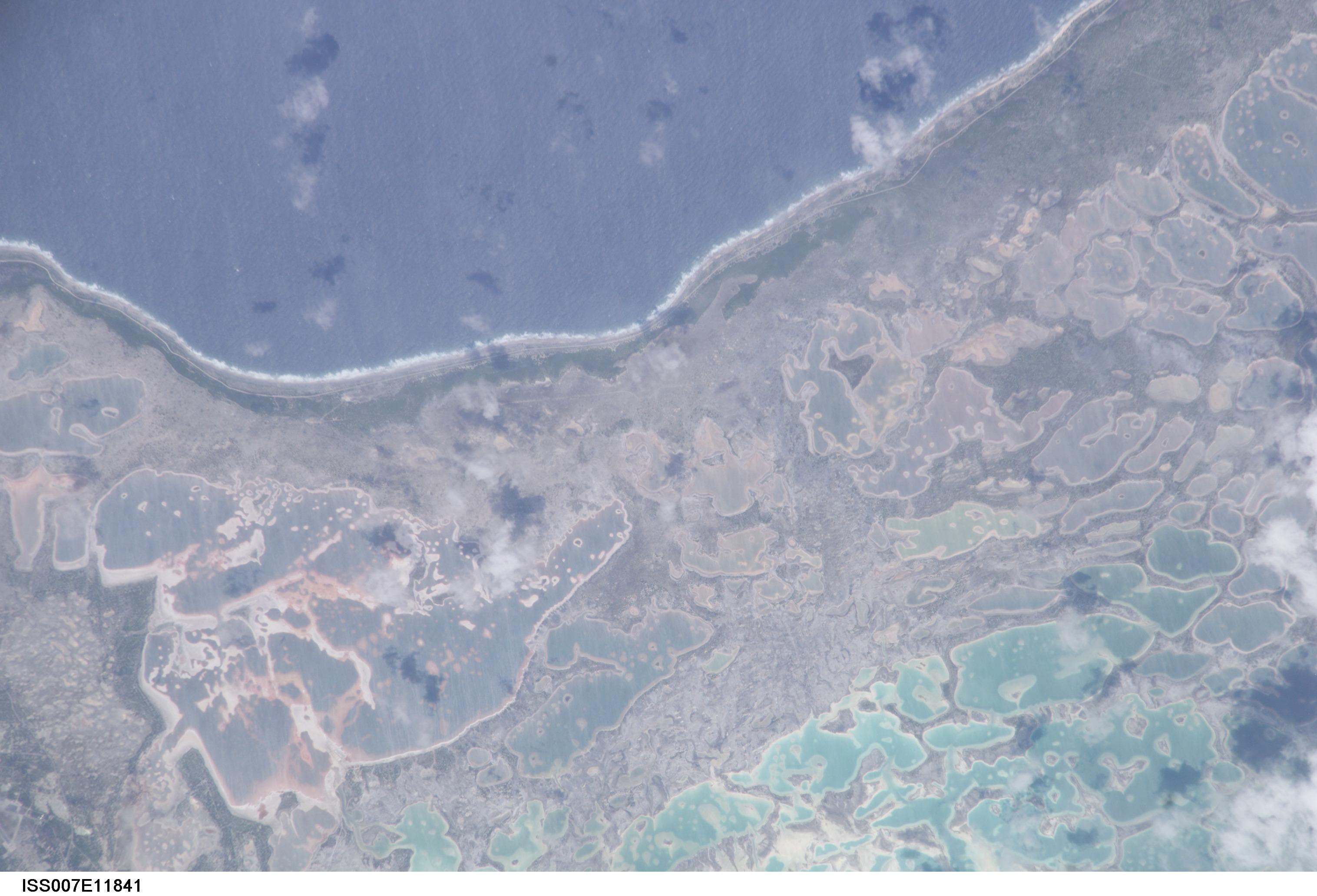 ISS Photo Library KIRIBATI CHRISTMAS ISLAND, BAY OF WRECKS - ISS007 ...