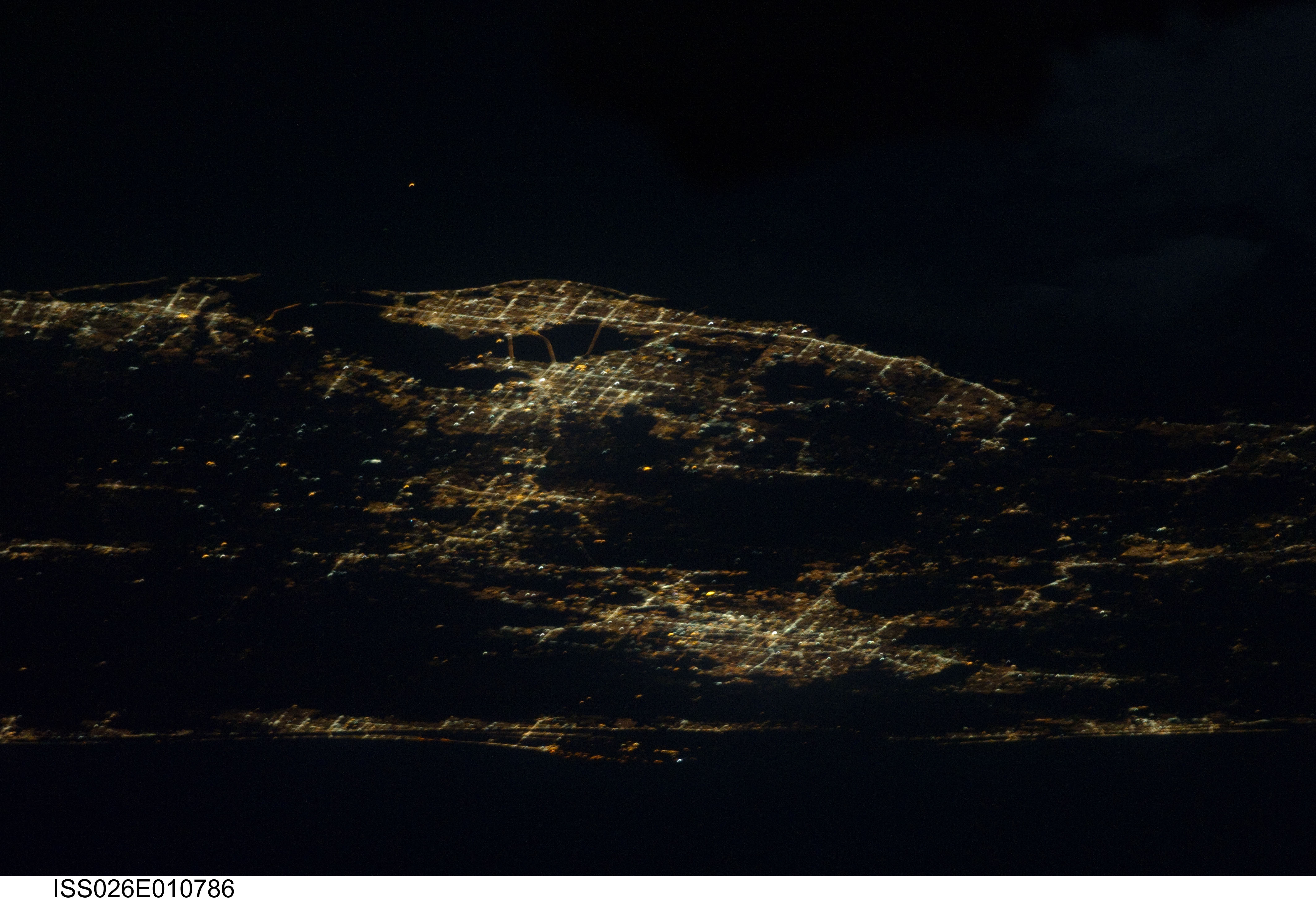 Central Florida at night, as seen from the ISS  : orlando