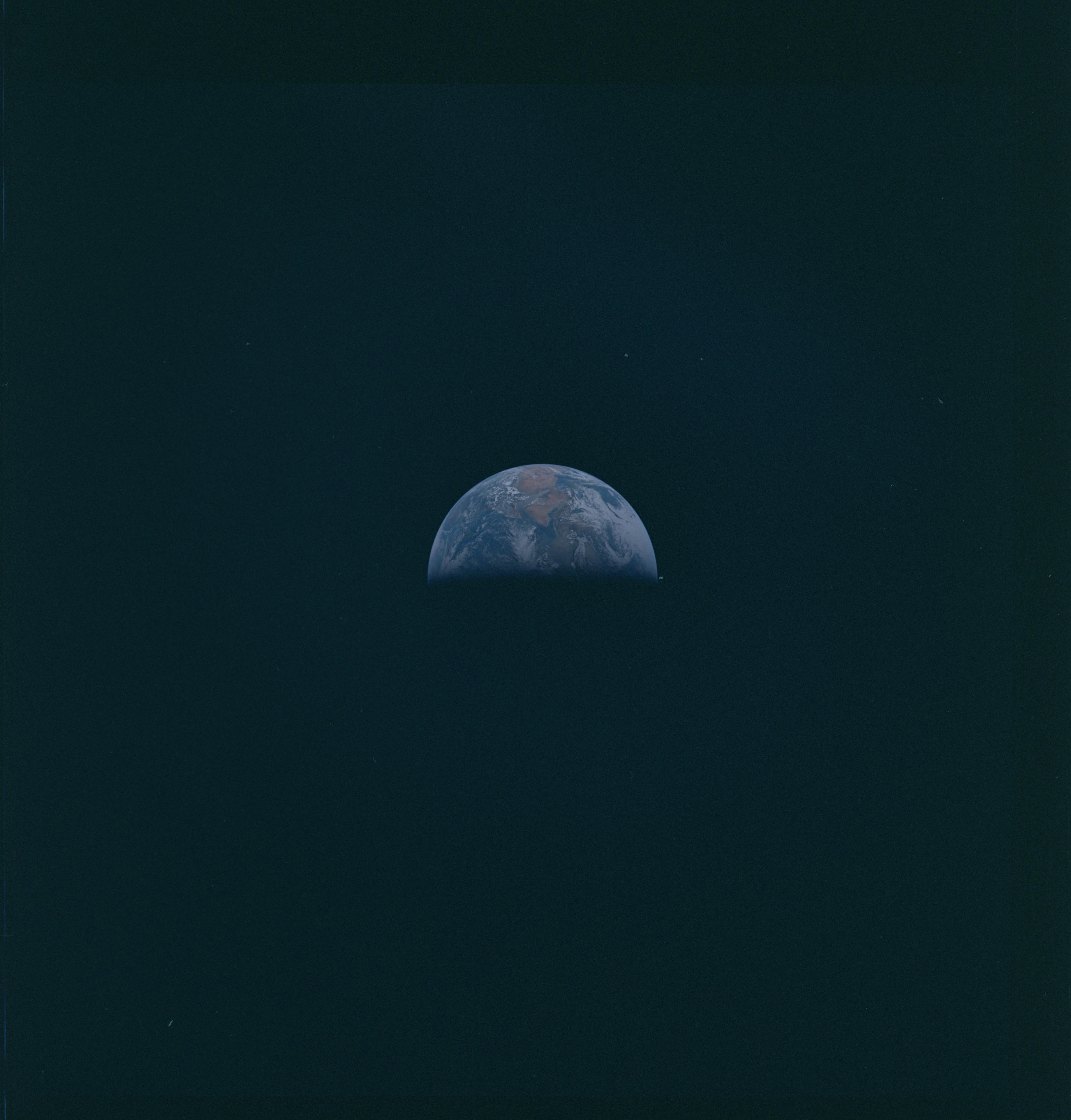 UFO Spotted In NASA Apollo 10 Photo | UFO News